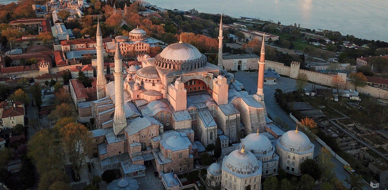 Αγία Σοφία: Λίστα κυρώσεων ζητά η Αθήνα από την ΕΕ για τις προκλήσεις της Άγκυρας