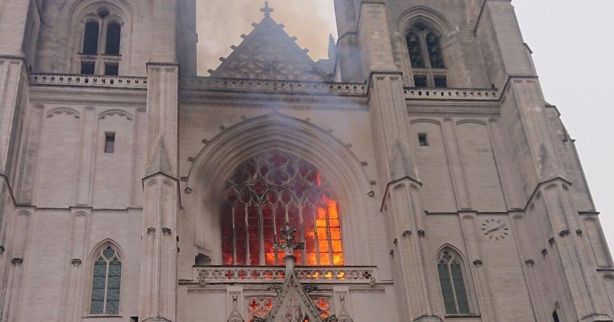 Γαλλία: Μεγάλη φωτιά στον καθεδρικό ναό της Ναντ