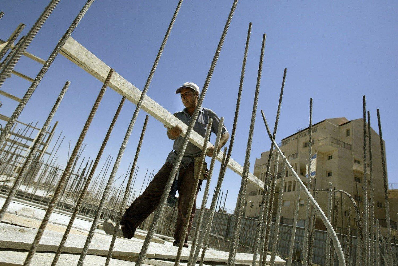 ΕΛΣΤΑΤ: Πτώση 22,4% στην οικοδομική δραστηριότητα τον Απρίλιο