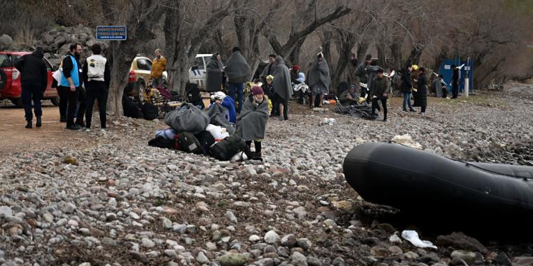 Λέσβος: Βάρκα με 11 πρόσφυγες και μετανάστες έφτασε στο νησί | ΕΛΛΑΔΑ