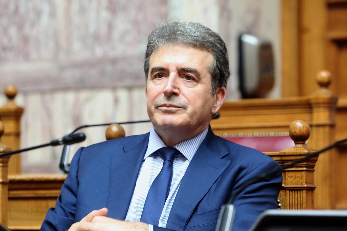 Χρυσοχοΐδης: «Δεν μπορεί η αστυνομία να διαλύει πανηγύρια- Θα ληφθούν αποφάσεις»