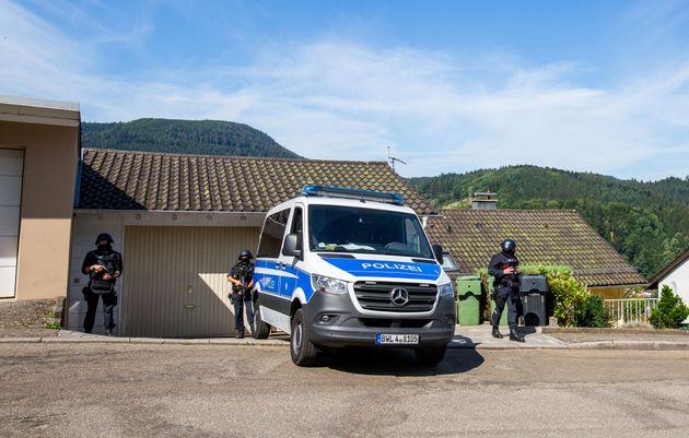 Γερμανία: Ανθρωποκυνηγητό «επικίνδυνου Ράμπο» στον Μέλανα