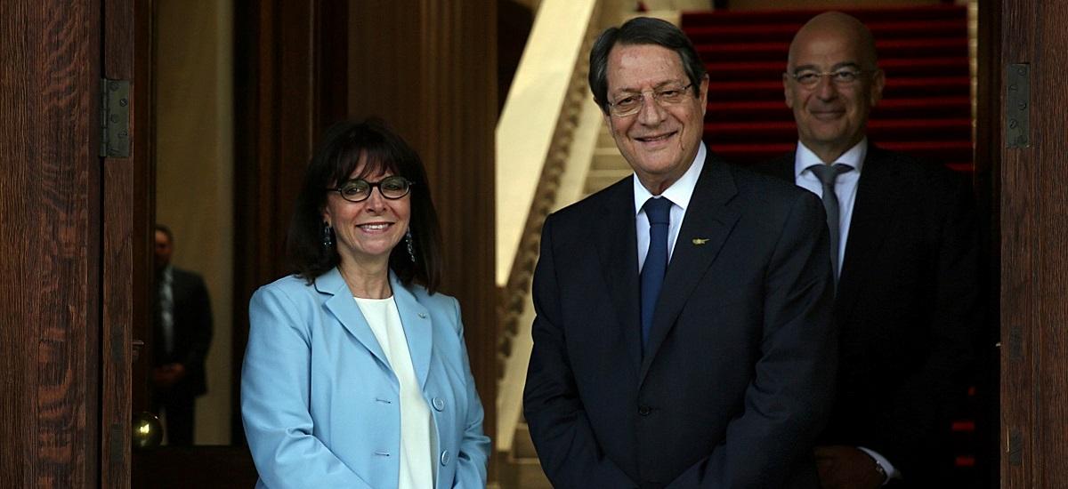Σακελλαροπούλου προς Αναστασιάδη: Κορυφαίο εθνικό θέμα της ελληνικής εξωτερικής πολιτικής το Κυπριακό