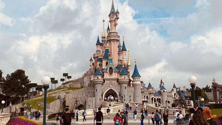Άνοιξε η Disneyland στο Παρίσι - Υποχρεωτική η μάσκα και η τήρηση αποστάσεων - ΦΩΤΟ