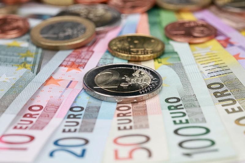 Επίδομα 534 ευρώ: Ποιοι πληρώνονται στις 4/2 – Πώς υπολογίζεται για Φεβρουάριο (vid)