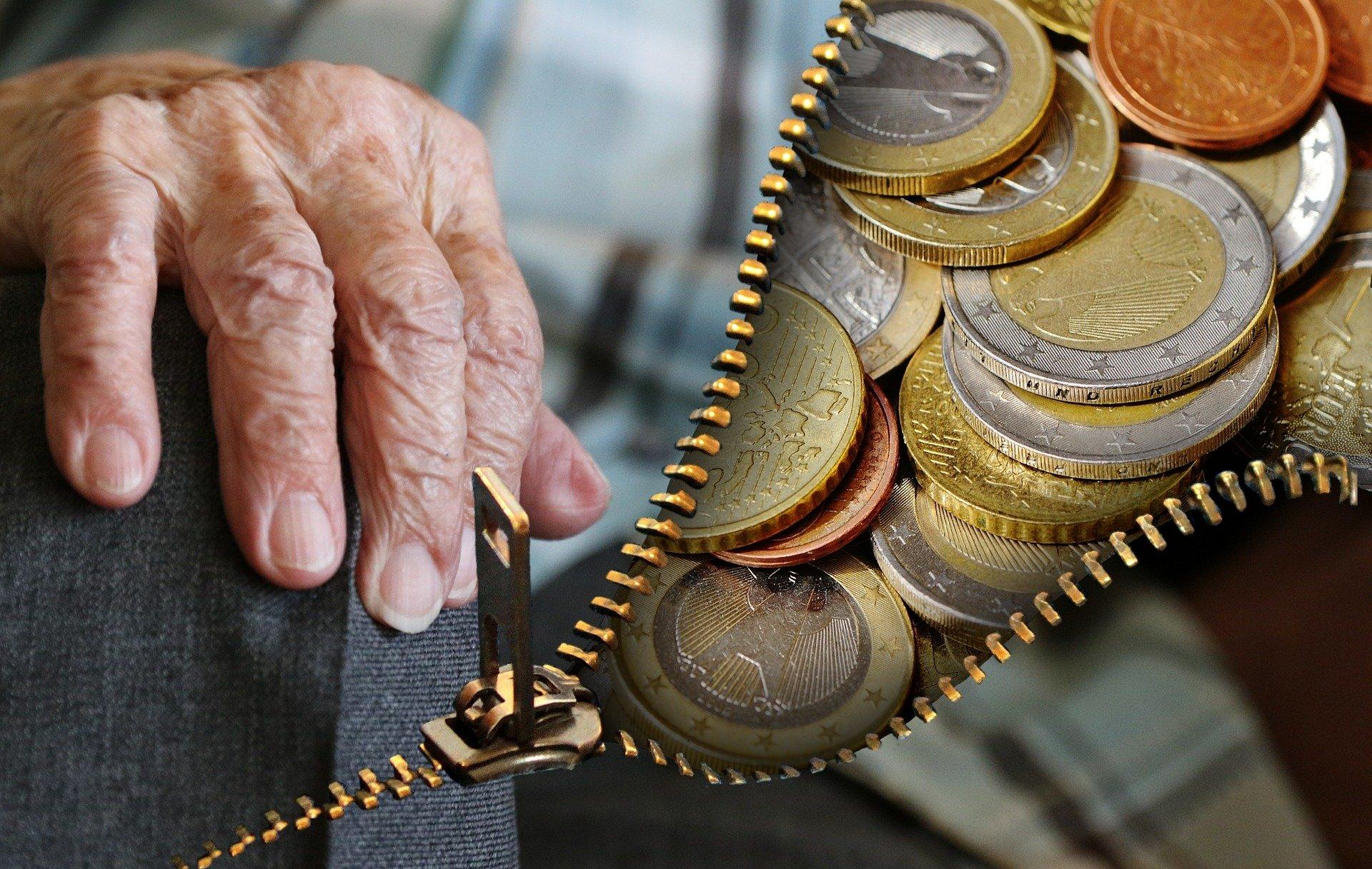 Εκκρεμείς συντάξεις: Ποιοι θα λάβουν τα 360-384 ευρώ πριν το Πάσχα (vid)