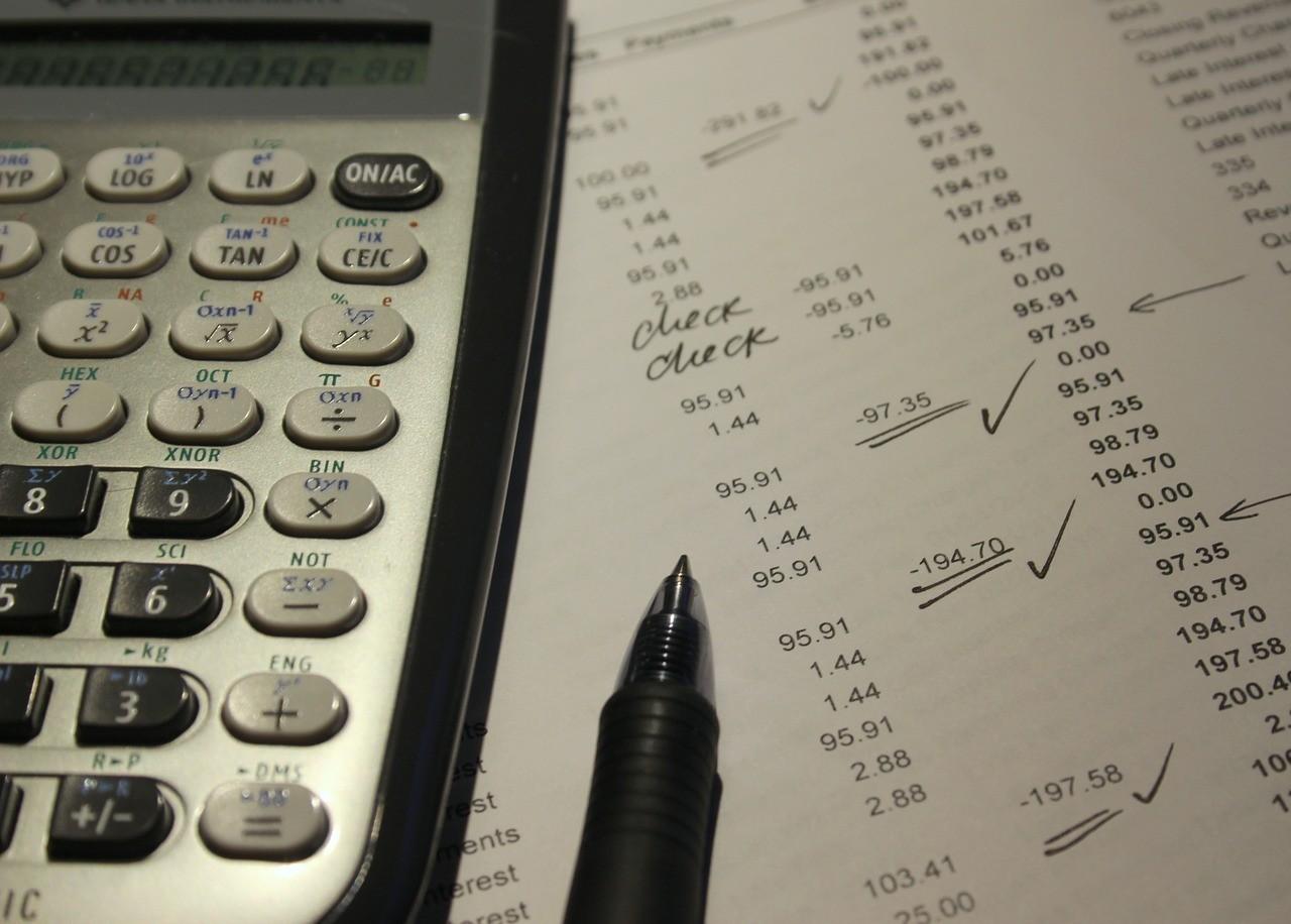 Φορολογικές δηλώσεις: Οι αλλαγές σε δόσεις, αποδείξεις, ενοίκια, τεκμήρια (vid)