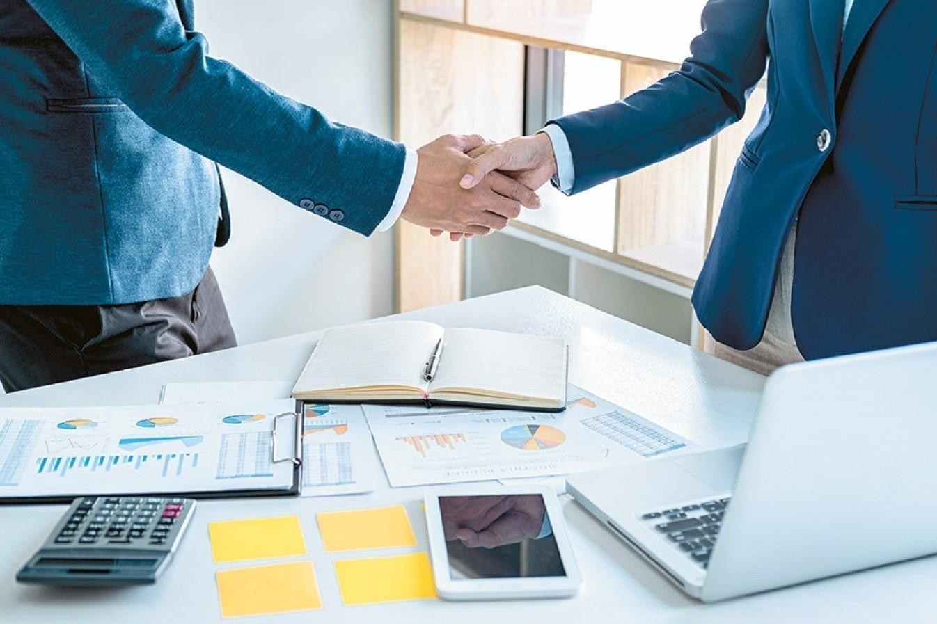 Έρχονται κίνητρα για συγχωνεύσεις ή εξαγορές επιχειρήσεων