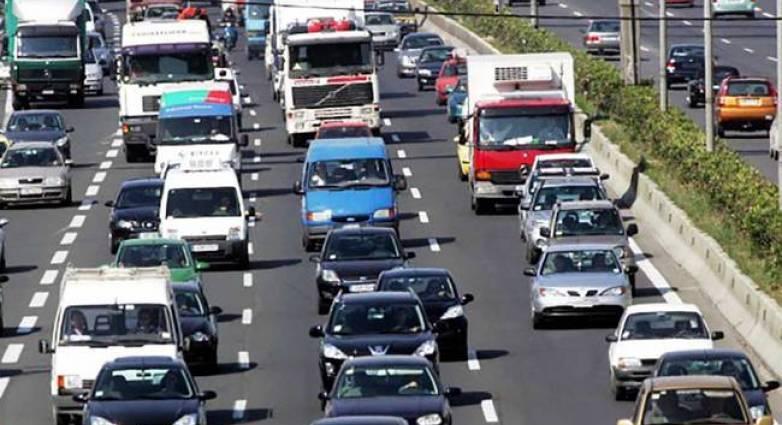 ΑΑΔΕ: «Οδηγός» για τα τέλη κυκλοφορίας με τον μήνα