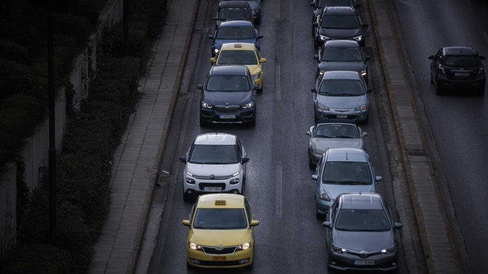 ΑΑΔΕ: Πώς θα πληρώνονται τα τέλη κυκλοφορίας με τον μήνα