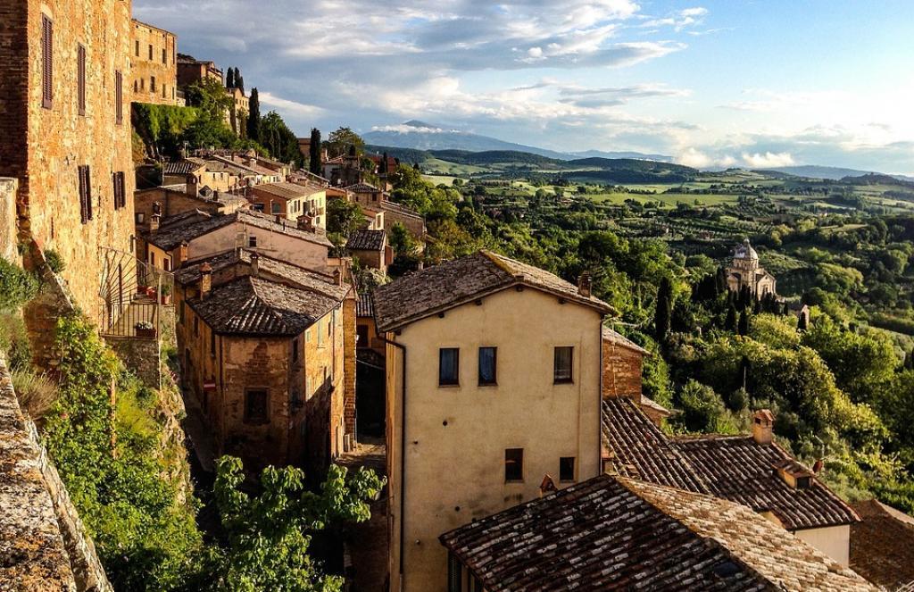 Γιατί οι Ιταλοί δεν αγοράζουν τα σπίτια του 1 ευρώ;