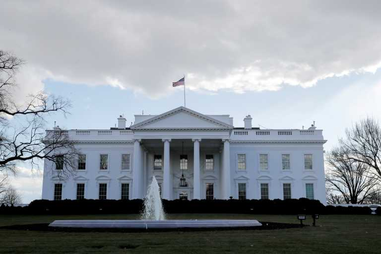 Επικοινωνία Σάλιβαν – Ντόκου: Δέσμευση της κυβέρνησης Μπάιντεν για περαιτέρω εμβάθυνση των σχέσεων Ελλάδας – ΗΠΑ