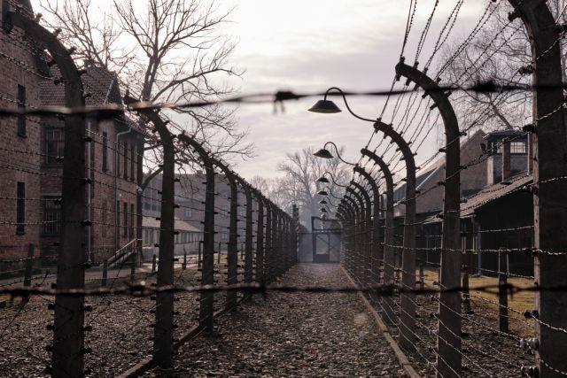 Ντέιβιντ Ντούσμαν: Απεβίωσε ο τελευταίος επιζήσας απελευθερωτής του Άουσβιτς