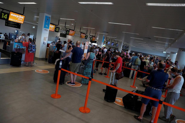 Πορτογαλία: Βρετανοί τουρίστες σπεύδουν να επιστρέψουν στη χώρα τους