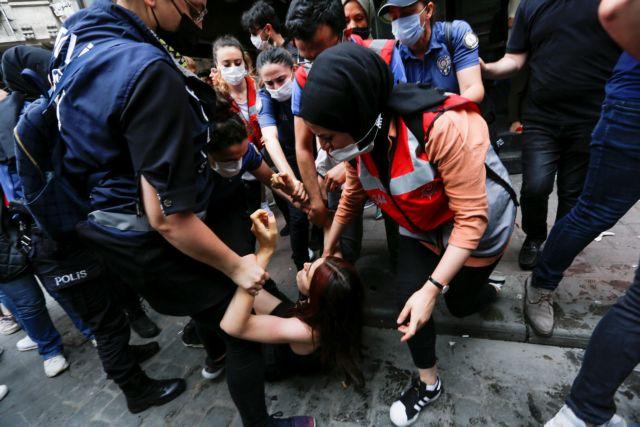 Δακρυγόνα και συλλήψεις στην Πορεία Υπερηφάνειας