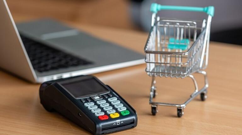 e-λιανικό: 3.202 ωφελούμενοι εχουν ενταχθεί για τη χρηματοδότηση eshop