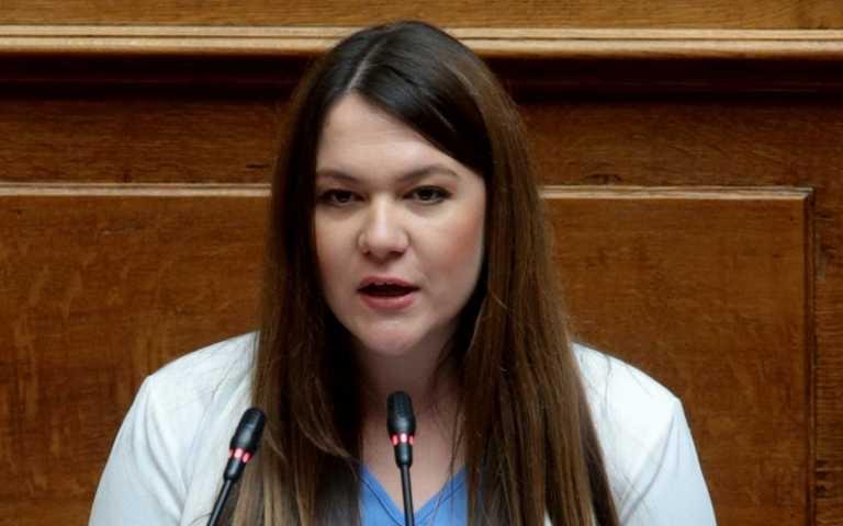 ΜέΡΑ25: Ανεξαρτητοποιήθηκε η βουλευτής Κωνσταντίνα Αδάμου – Πώς αντέδρασε ο Γιάνης Βαρουφάκης
