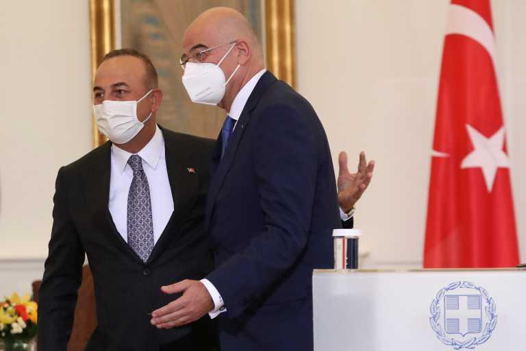 Νίκος Δένδιας: Συλλυπητήρια σε Τσαβούσογλου για τις φονικές πυρκαγιές στην Τουρκία