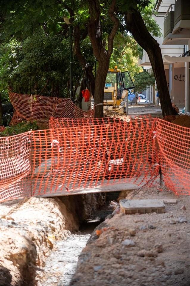 Αποκατάσταση πεζοδρομίων και περιβαλλοντική αναβάθμιση σε 410 δρόμους