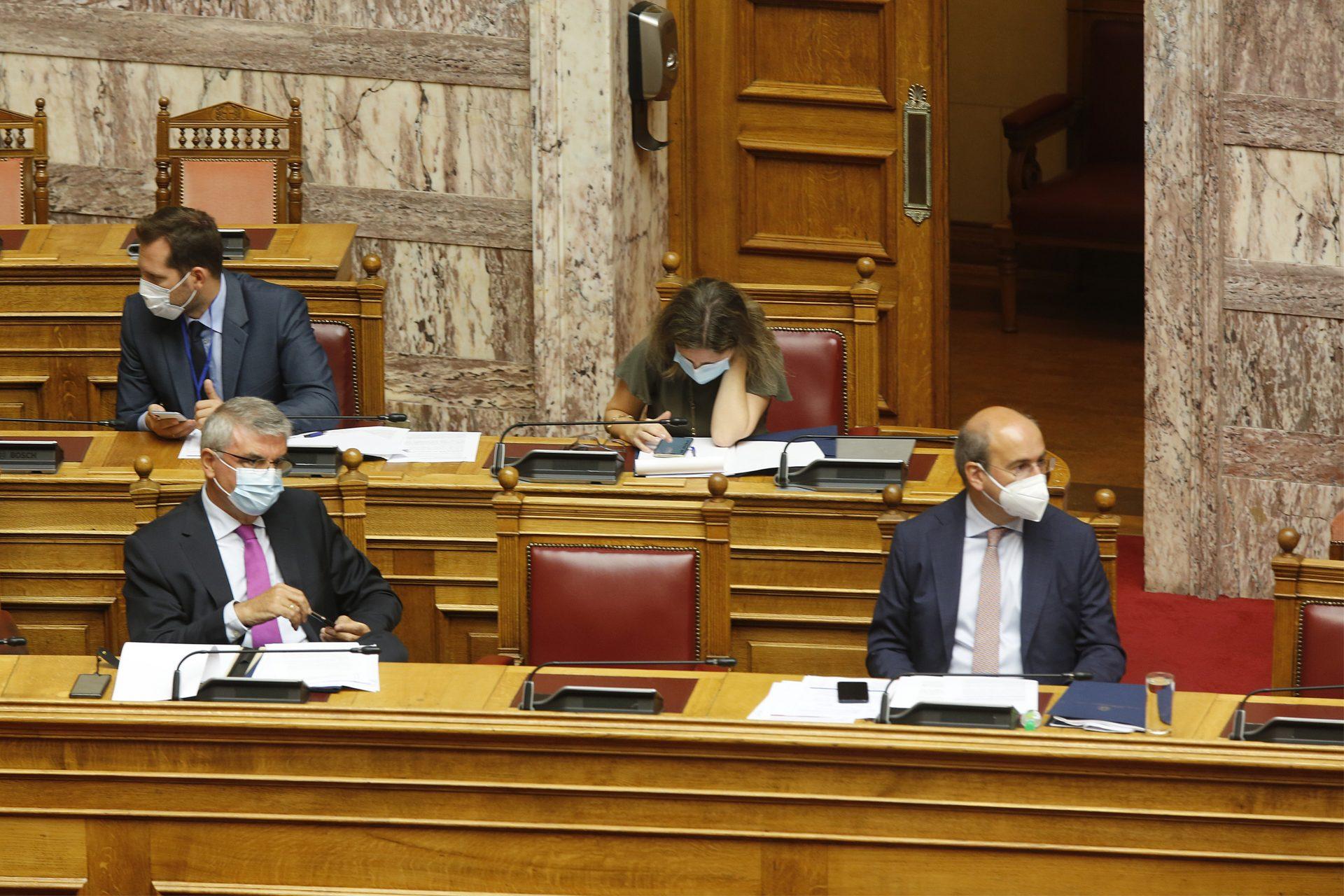 Βουλή: Συνεχίζεται για δεύτερη ημέρα η συζήτηση του ασφαλιστικού νομοσχεδίου