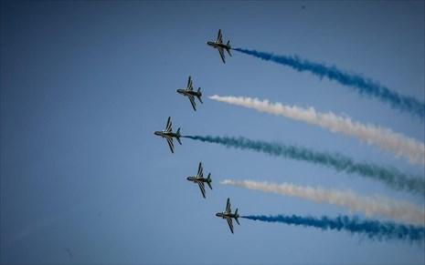 «Μαγνήτισαν» τα βλέμματα το γαλλικό Rafale, η ομάδα «Ζευς» και το ελληνικό Spitfire