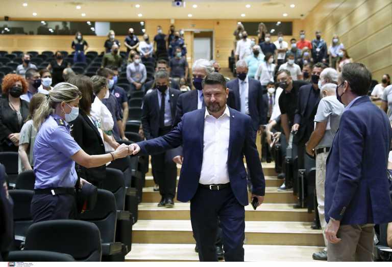 Νίκος Χαρδαλιάς: Λύγισε στο «αντίο» στην Πολιτική Προστασία