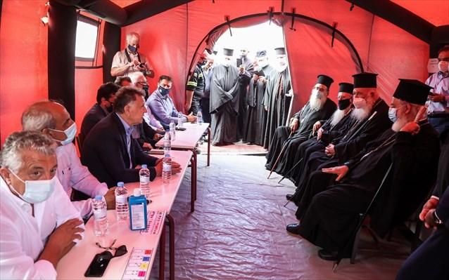 Ο Αρχιεπίσκοπος με την «ΑΠΟΣΤΟΛΗ» δίπλα στους σεισμόπληκτους Αρκαλοχωρίου