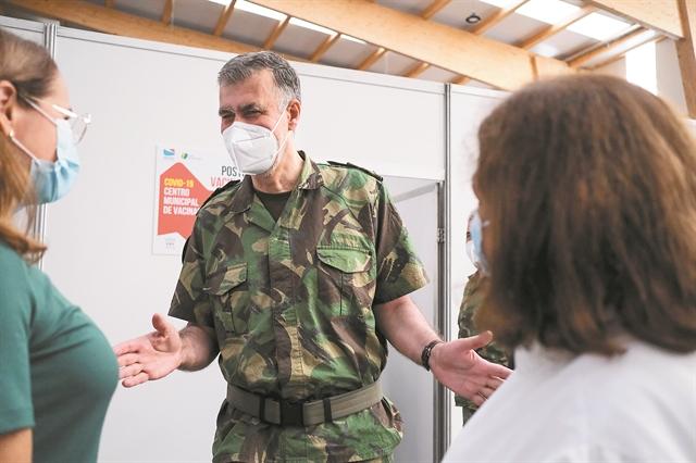 Το εμβολιαστικό θαύμα της Πορτογαλίας – Πώς πείστηκαν οι πολίτες