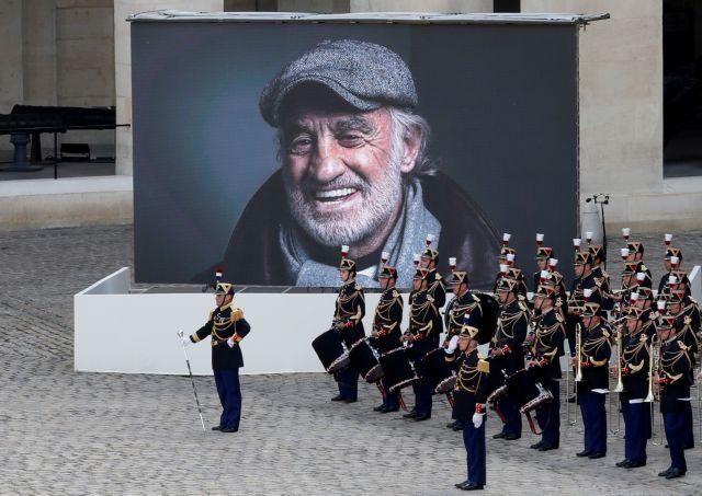 Ζαν Πολ Μπελμοντό – Υπό τους ήχους του Μορικόνε αποχαιρέτισε η Γαλλία τον «Μπεμπέλ»