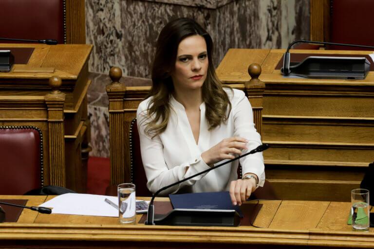 Έφη Αχτσιόγλου: Υπήρξαν υπονοούμενα ότι είχα σχέσεις που με οδήγησαν στη θέση της υπουργού