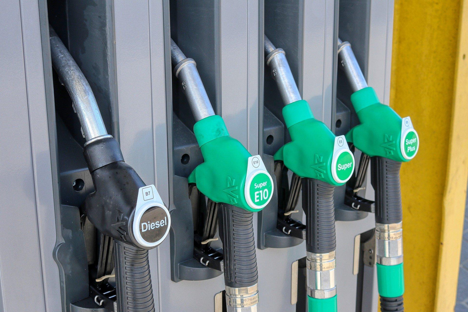 Αύξηση στο πετρέλαιο θέρμανσης: «Καμπανάκι» από τους βενζινοπώλες – Τι ζητούν από την κυβέρνηση