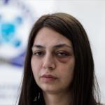 Διοικητική διερεύνηση για βίντεο που δείχνει άντρα των ΜΑΤ να σπάει βιτρίνα καταστήματος