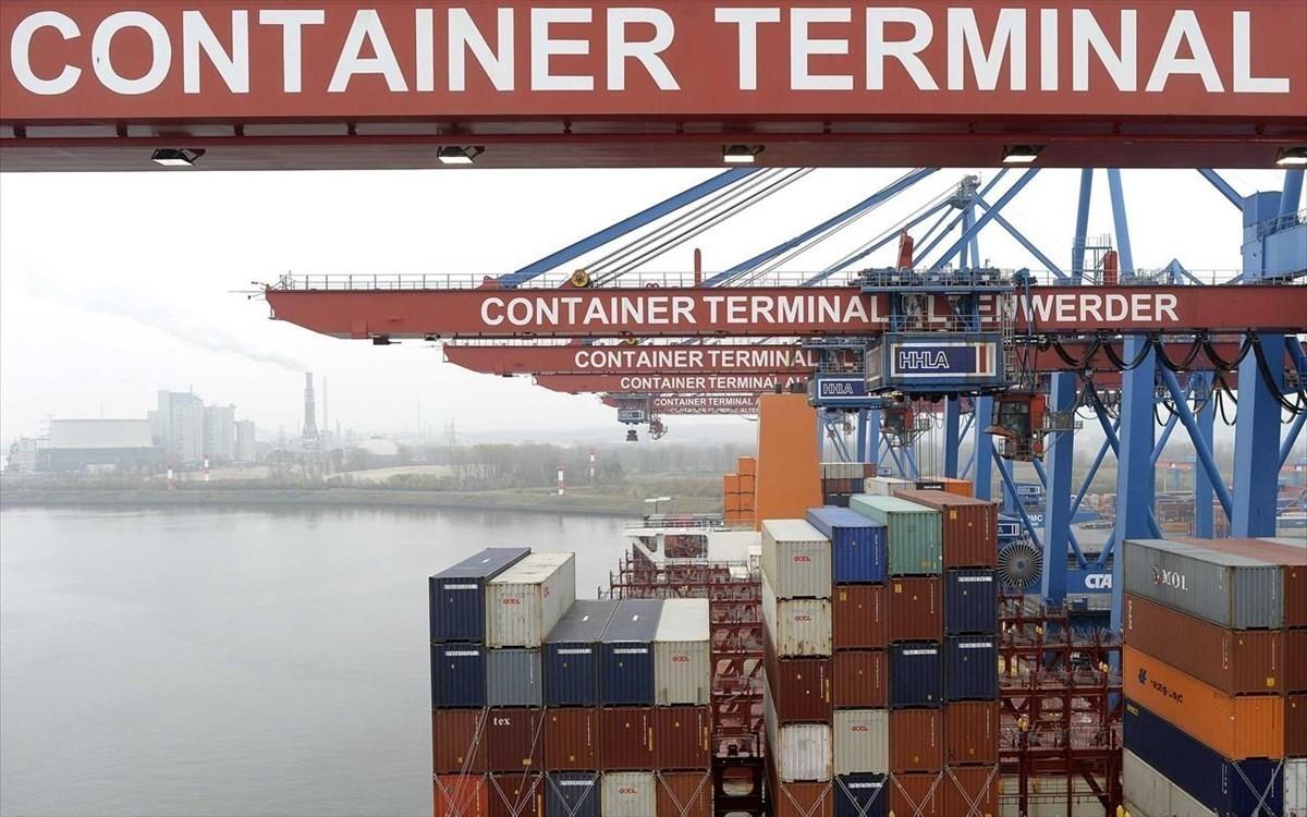 ΕΛΣΤΑΤ: «Άλμα» εξαγωγών 34,6% αλλά και ελλείμματος τον Αύγουστο