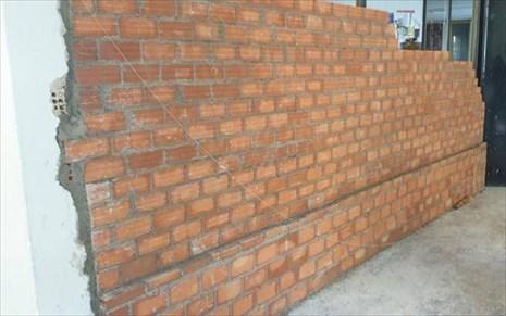 Κατεδαφίστηκε παρουσία αστυνομικών παράνομη κατασκευή σε χώρο Σχολής