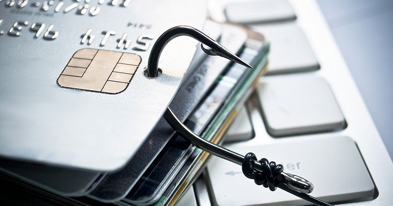 Μεγάλη προσοχή! Πώς οι απατεώνες του διαδικτύου αδειάζουν λογαριασμούς