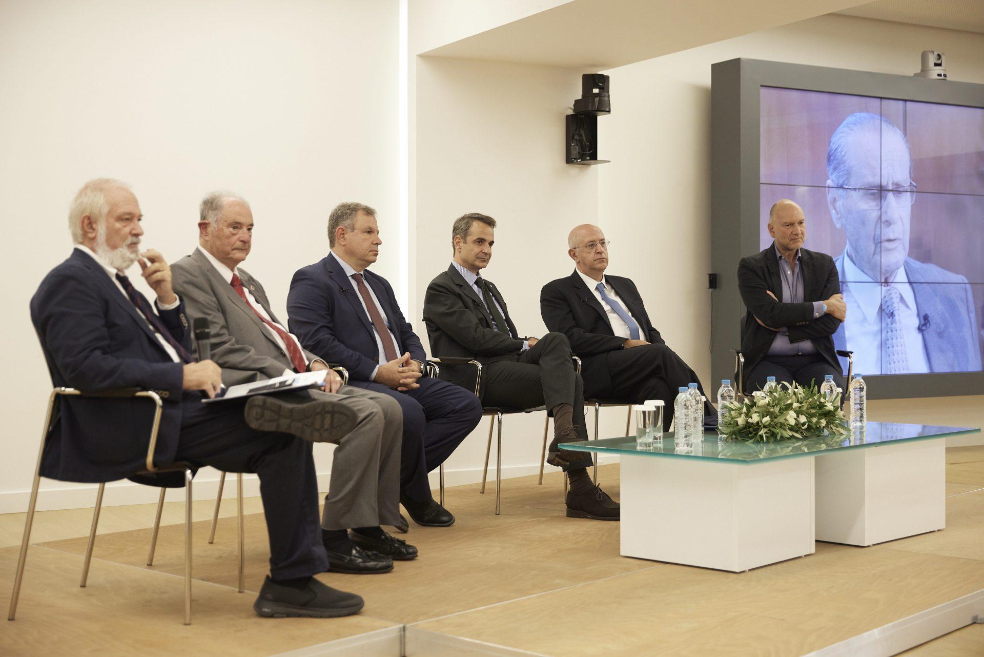 Μητσοτάκης-ΙΟΒΕ: Η επιχειρηματικότητα πρέπει να στηρίξει και τον κόσμο της εργασίας