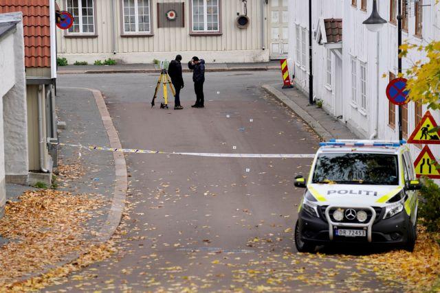 Νορβηγία – «Tρομοκρατική ενέργεια» η πολύνεκρη επίθεση του 37χρονου τοξοβόλου