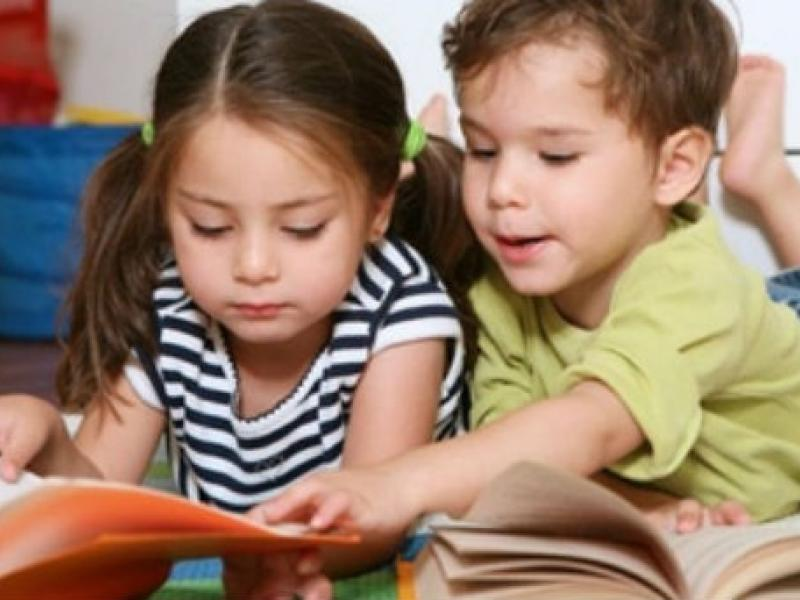 ΟΠΕΚΑ: Αύξηση για το επίδομα παιδιού Α21 – Πώς διαμορφώνονται τα νέα ποσά (vid)