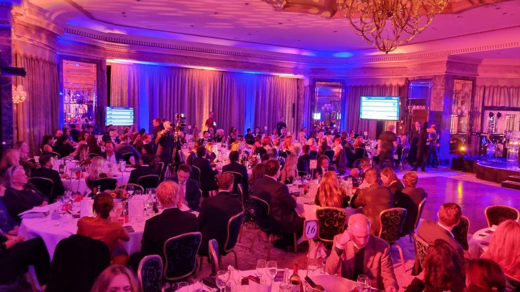 Πάνω από 200.000 στερλίνες υπέρ φιλανθρωπικών οργανώσεων στο 5ο London Gala του The Hellenic Initiative