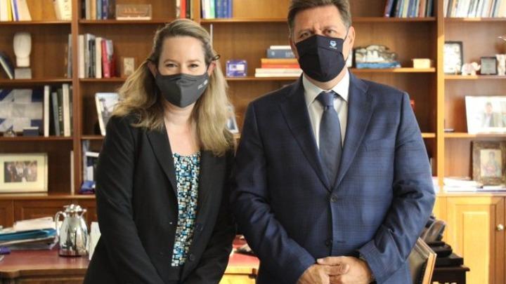Συνάντηση Μ. Βαρβιτσιώτη με την αναπληρώτρια διευθύντρια του ΔΟΜ