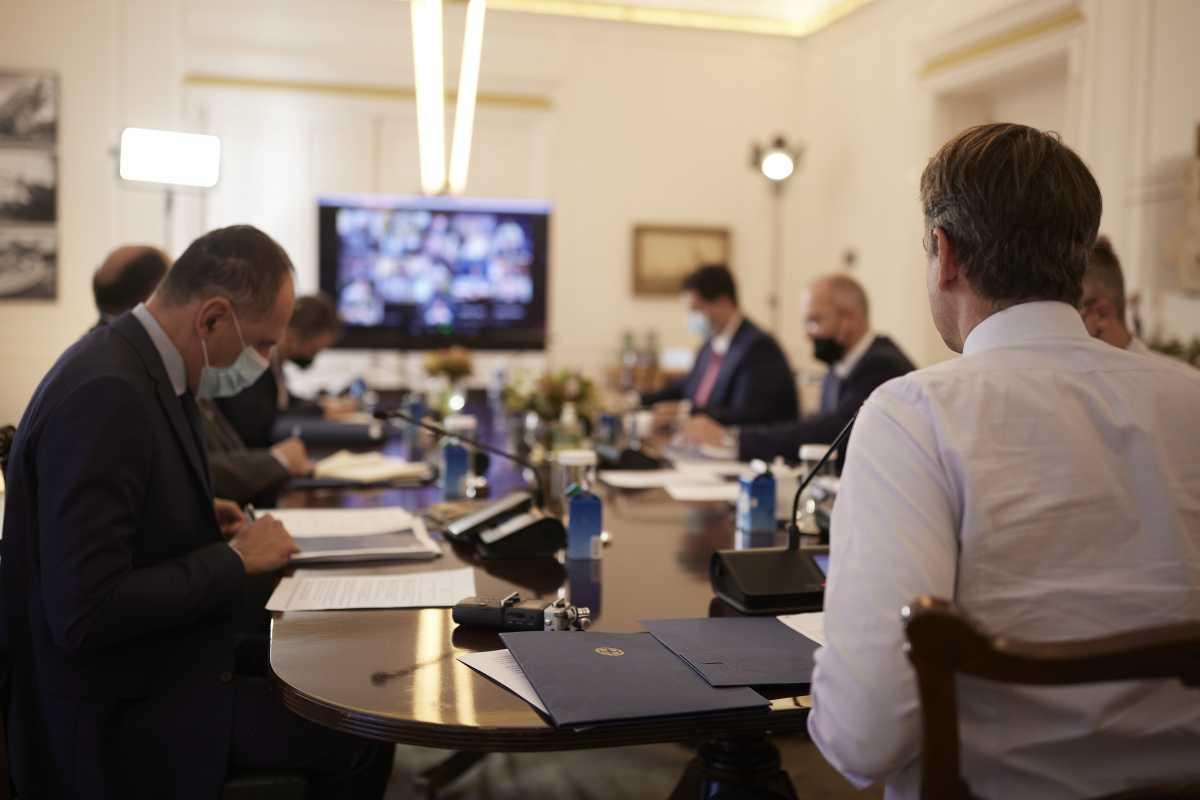 Υπουργικό συμβούλιο: Γκάζια Μητσοτάκη στους υπουργούς