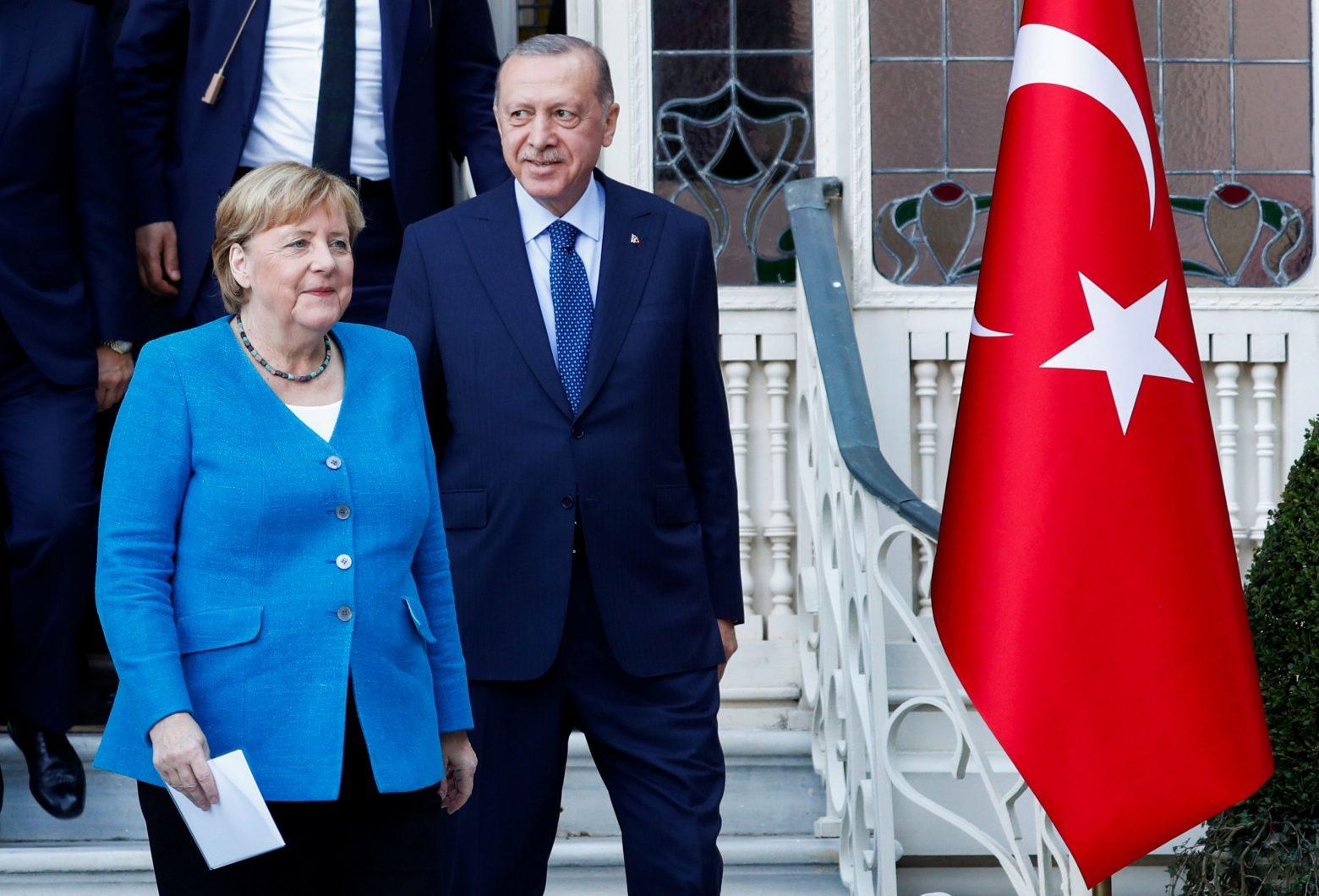 Μέρκελ – Τελευταίο τετ α τετ με τον Ερντογάν με φόντο τον Βόσπορο – Οι ευχαριστίες, οι επικρίσεις και η… υπόσχεση