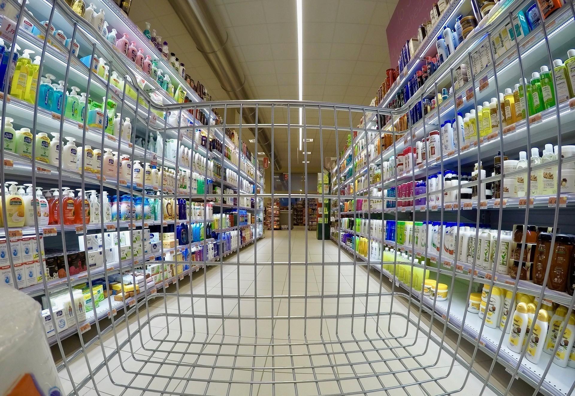 Aκρίβεια: «Καμπανάκι» για τα τρόφιμα – Πόσο έχουν αυξηθεί οι τιμές (vid)